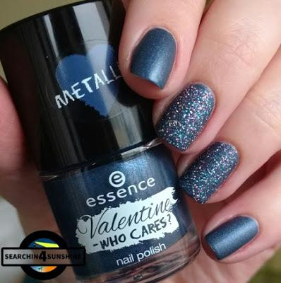 [Nails] Blue Friday mit essence Valentine - WHO CARES? 02 TALK TO THE HAND! & p2 HYPNOTIC LIGHTS 3D polish 070 sequin song