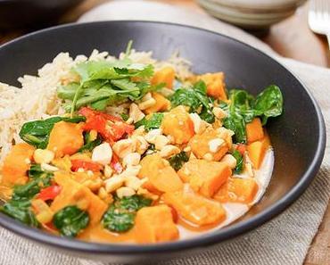 Rotes Thai Curry mit Süßkartoffeln und Erdnüssen