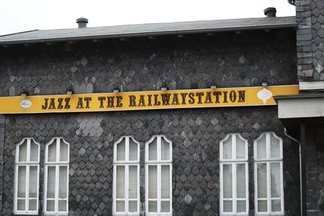 Blog + Fotografie by it's me fim.works - Bahnhof Dissen, Jazz at the Railwailstation
