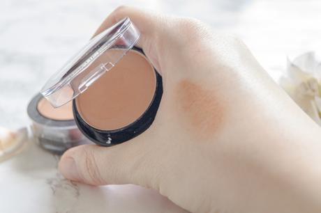 Swatch Toleriane Teint Blush in 03 Caramel Tendre