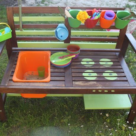 Wie ich aus einer Gartenbank eine Matschküche baute?