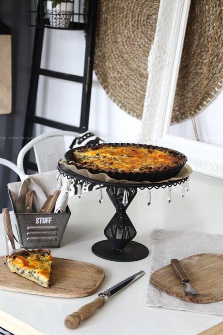 zucchini quiche mit pilzen und schinken auf raspelkartoffeln. Black Bedroom Furniture Sets. Home Design Ideas