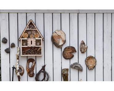 Gartendeko mit Holzfundstücken