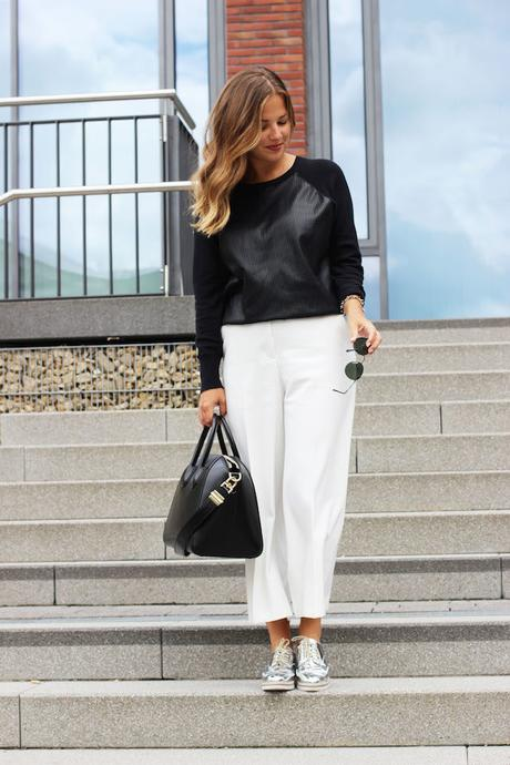 white culottes, givenchy antiigona, ray ban round metal