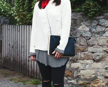Outfit mit rotem Halstuch, Marc Jacobs Brille und Selected Femme Shirt