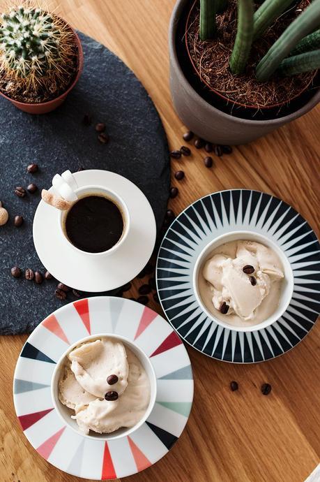 kaffee bananen eis selber machen veggie eiscreme ganz ohne eismaschine. Black Bedroom Furniture Sets. Home Design Ideas