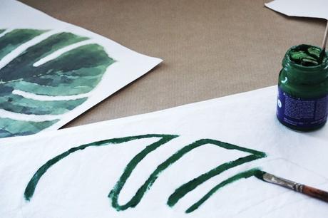 DIY Monstera-Print im Wandkarten-Look