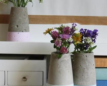 DIY// Kegelförmige Betonvase im Dipped-Look, inspiriert von Vase ›Tube‹ von House Doctor