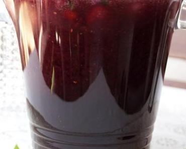 Erfrischender Aronia Cocktail