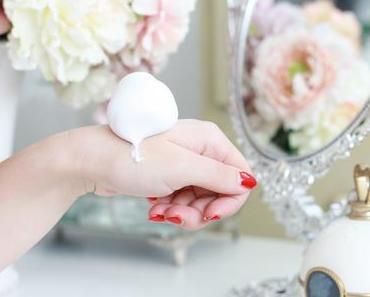Must-Have: Kneipp Schaum-Pflegelotion Wachgeküsst und Blütenzart