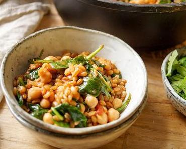 Grünkern Pilaw mit Spinat und Kichererbsen