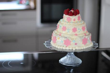 3 st ckige torte selber machen mit buttercreme ganz einfach. Black Bedroom Furniture Sets. Home Design Ideas