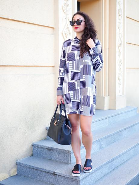 Mango Striped Shirtdress Hipster Look Outfit UGG Australia Plateau Slider Platform Pantoletten Le Specs Halfmoon Magic Schwarz Monochrome black and white Fashionblogger Streetstyle Berlin Samieze Summer Sommerlook