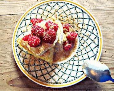 Himbeer Kuchen mit Vanille Eiscreme