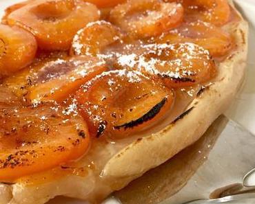 Superschnelle glutenfreie Tarte Tatin mit Aprikosen