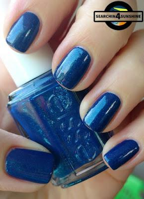 [Nails] Blue Friday mit essie 424 loot the booty & p2 the FUTURE is mine 030 polar light