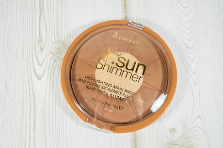 Sun Shimmer highlighting maxi Bronzer