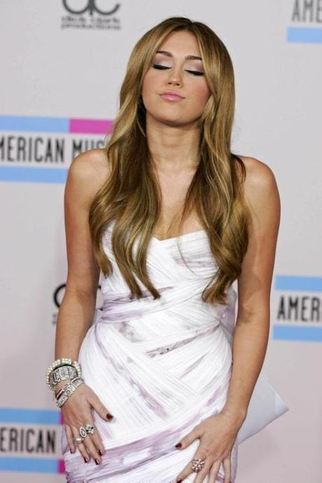 Nov. 22, 2010 - Hollywood, California, U.S. - MILEY CYRUS.The 2010 American Music Awards Red Carpet Arrivals Held At Nokia Theatre In Los Angeles, California On November 21, 2010. K66964RHARV. © Red Carpet Pictures