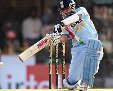 Cricket / क्रिकेट