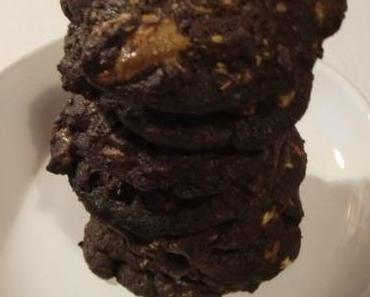 Knusper, Knusper: Double Chocolate Chip Cookies mit weißer Schokolade.