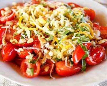 Sommer Zucchini-Nudelsalat