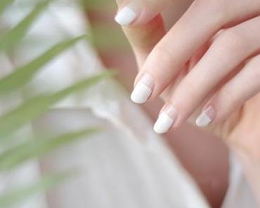 Minimalistic Nailart - less is more