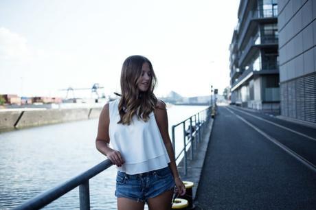 frankfurt, blogger, outfit, one teaspoon, bandana, pretty loafers, curly hair