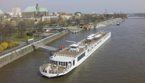 Viking Freya rammt Brücke auf Main Donau Kanal – 2 Tote Crewmitglieder