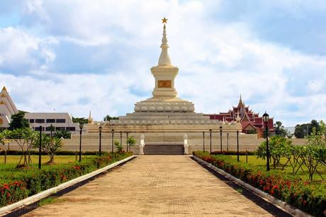 Revolution Denkmal Pha That Luang