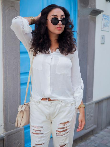 wpid-all-white-look-with-white-boyfriend-jeans-justfab-adidas-super-stars-look-outfit-girl-mädchen-frauen-style-alles-weiß-urlaubslook-holiday-attire-german-fashionblog-streetstyle-blog-berlin-samieze-deutschland-11.jpg.jpeg