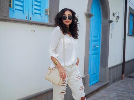 wpid-all-white-look-with-white-boyfriend-jeans-justfab-adidas-super-stars-look-outfit-girl-mädchen-frauen-style-alles-weiß-urlaubslook-holiday-attire-german-fashionblog-streetstyle-blog-berlin-samieze-deutschland-10.jpg.jpeg