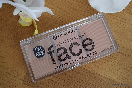 essence_light_up_your_face_luminizer_palette_10_ready_set_glow