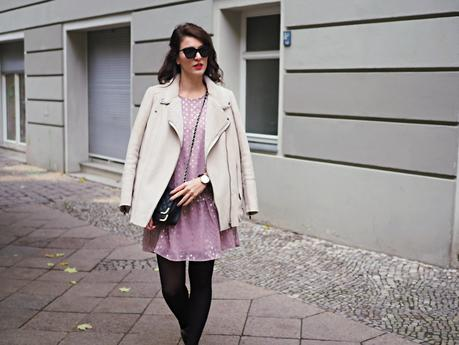 low waist dress y.a.s asos chiffon metallic autumn streetstyle look trend pointed boots sacha promod biker jacket