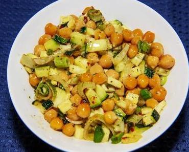 Kichererbsensalat mit Zucchini und Fenchel (vegan)