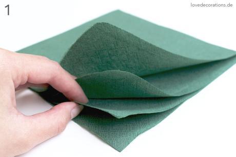 diy serviette falten tannenbaum und wie kinder einen verzweifelnd lachen lassen. Black Bedroom Furniture Sets. Home Design Ideas