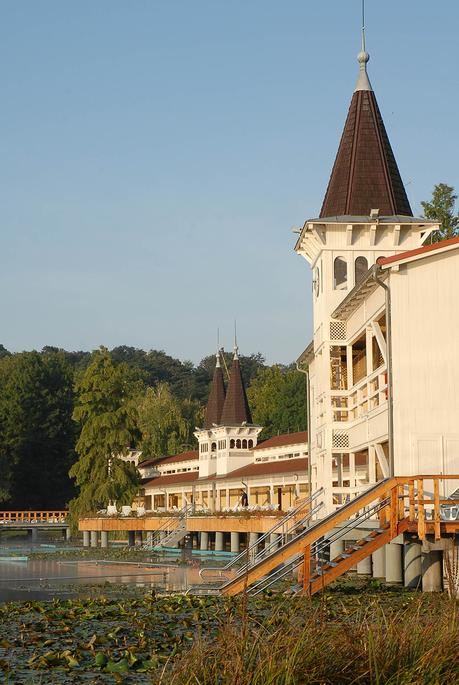 Ungarn: Entspannung am Balaton! Willkommen im Lotus Thermen Hotel & Spa in Hévíz!