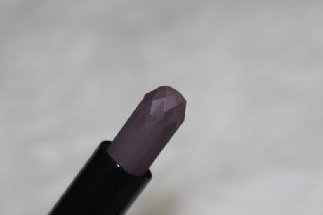Essence Glitter in the air velvet lipstick Diamonds are forever!  02 can't buy love, but lipstick