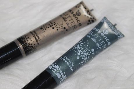 Essence Glitter in the air Limited Edition metallic eyeshadow Review