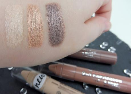 Review ➤ Essence 2 in 1 Eyeshadow & Liner