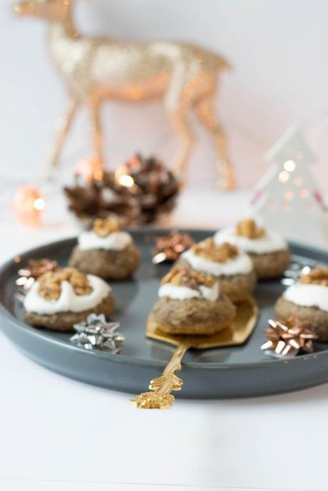weihnachtliche zimt marzipan pl tzchen mit walnuss. Black Bedroom Furniture Sets. Home Design Ideas