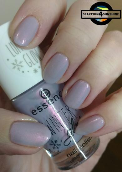 [Nails] essence WINTER glow nail polish LUMINOUS GLOW 03 LUMOSI