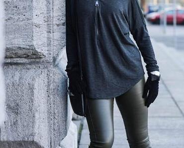 Outfit: Sweater with Zipper, Fake Leather Leggings and Earmuffs