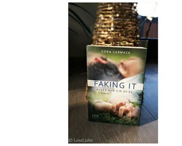 [Rezension] Faking It - Alles nur ein Spiel || Cora Carmack