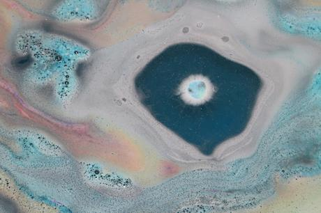 Lush Intergalactic Bathbomb Badebomben Review