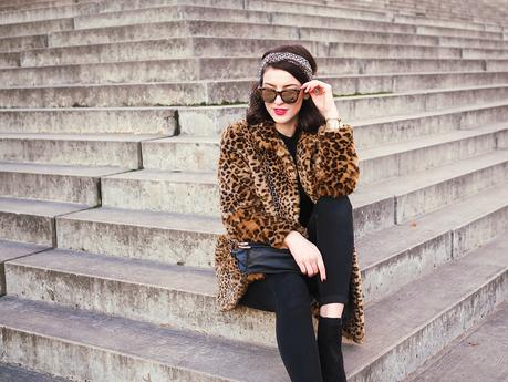 leo coat faux fur skinny jeans  ridley  asos leggings sunnies sunglasses mirrored le specs streetstyle berlin blog rollnick cause watch gold mesh watch headband  fashionista 70ies
