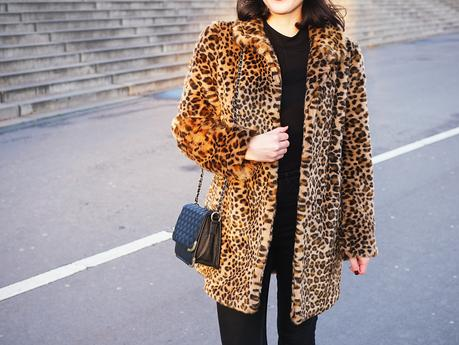 leo coat faux fur skinny jeans  ridley  asos leggings sunnies sunglasses mirrored le specs streetstyle berlin blog rollnick cause watch gold mesh watch headband  fashionista 70ies 11