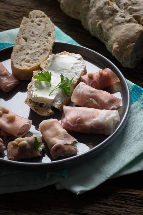 Fingerfood deluxe, super lecker Parmaschinken mit Frischkäse gefüllt