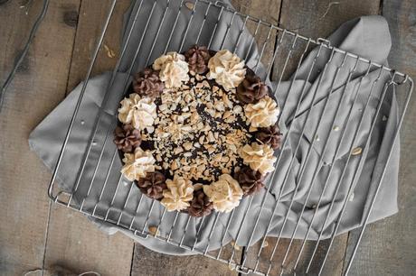 Erdnuss Karamell Torte nach Snickers Art  / Snickers Cake Recipe