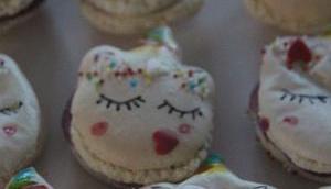 Einhorn-Macarons