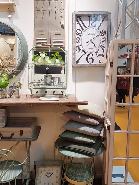 interior messe vol 2 oder bei lieben menschen angekommen. Black Bedroom Furniture Sets. Home Design Ideas